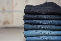 Jeans/tmavá bielizeň